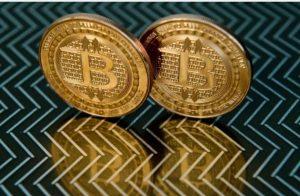 """0年来投资排名:比特币回报率最高,缅甸币亏得最多"""""""
